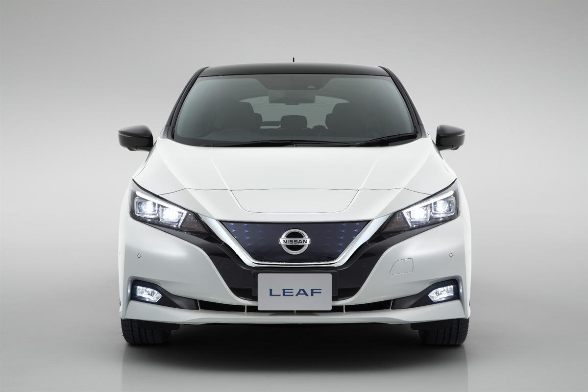 The aerodynamic nose of the new NissanLeaf