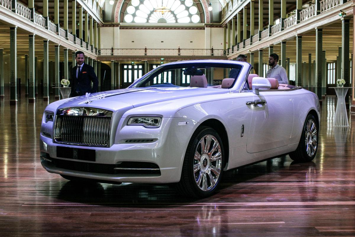Rolls-Royce hasn't had to add too much bracing to the Dawn's structure, thanks to those coach doors