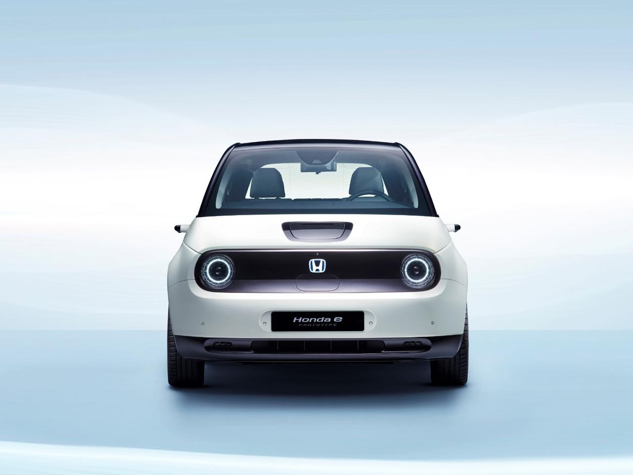 When Honda unveiled the Honda e prototype earlier this year, opening the electric car for reservations, a crowd showed up to plunk down their intentions to buy