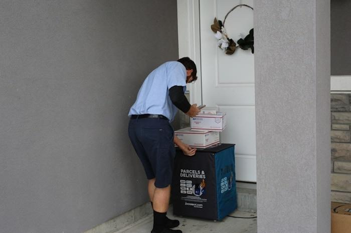 iDoorbox is the world's first alarm-enabled, foldable, portable secure package delivery box