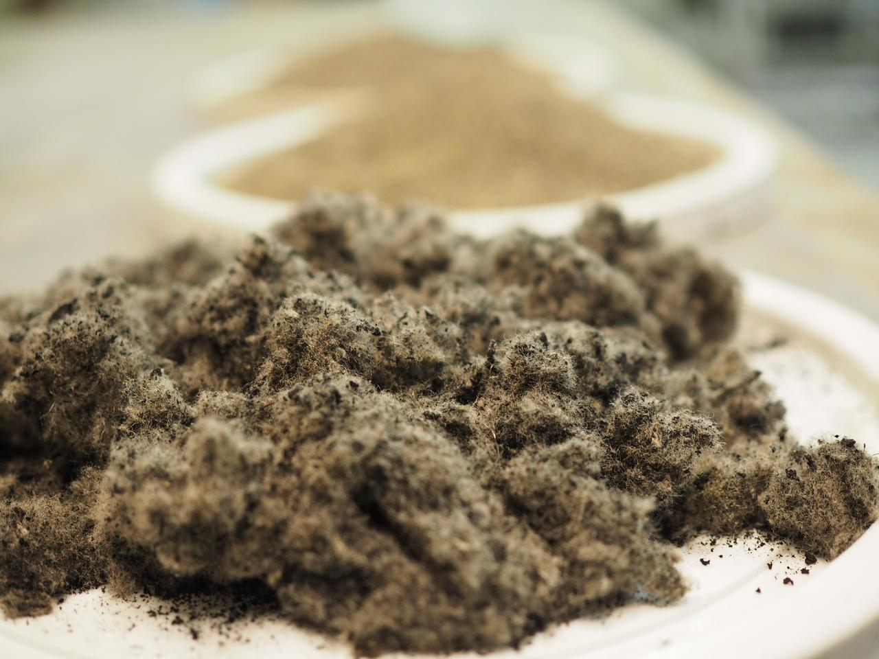 Some of the polymer fibers obtained from shredded tires