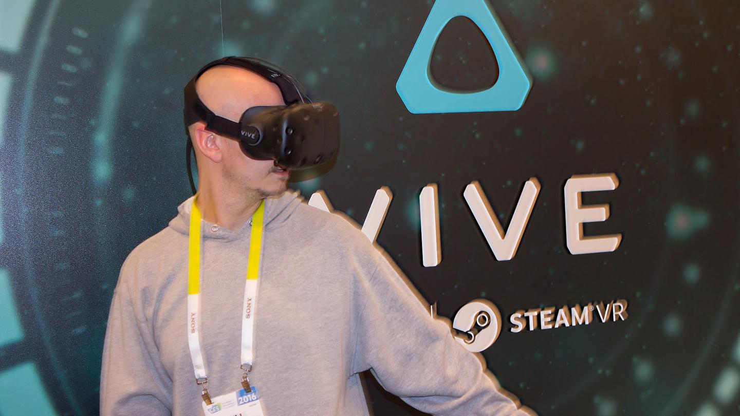 Using the HTC Vive Pre dev kit at CES