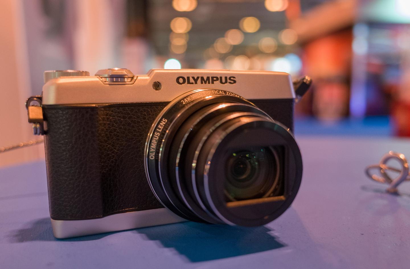 Gizmag goes hands-on with the soon-to-be-released Olympus Stylus SH-1