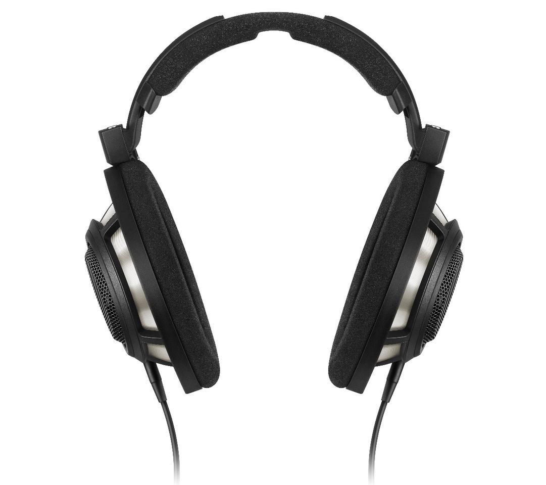 The new Sennheiser over-ears feature the same dynamic open driver technology and earcup design of their predecessor