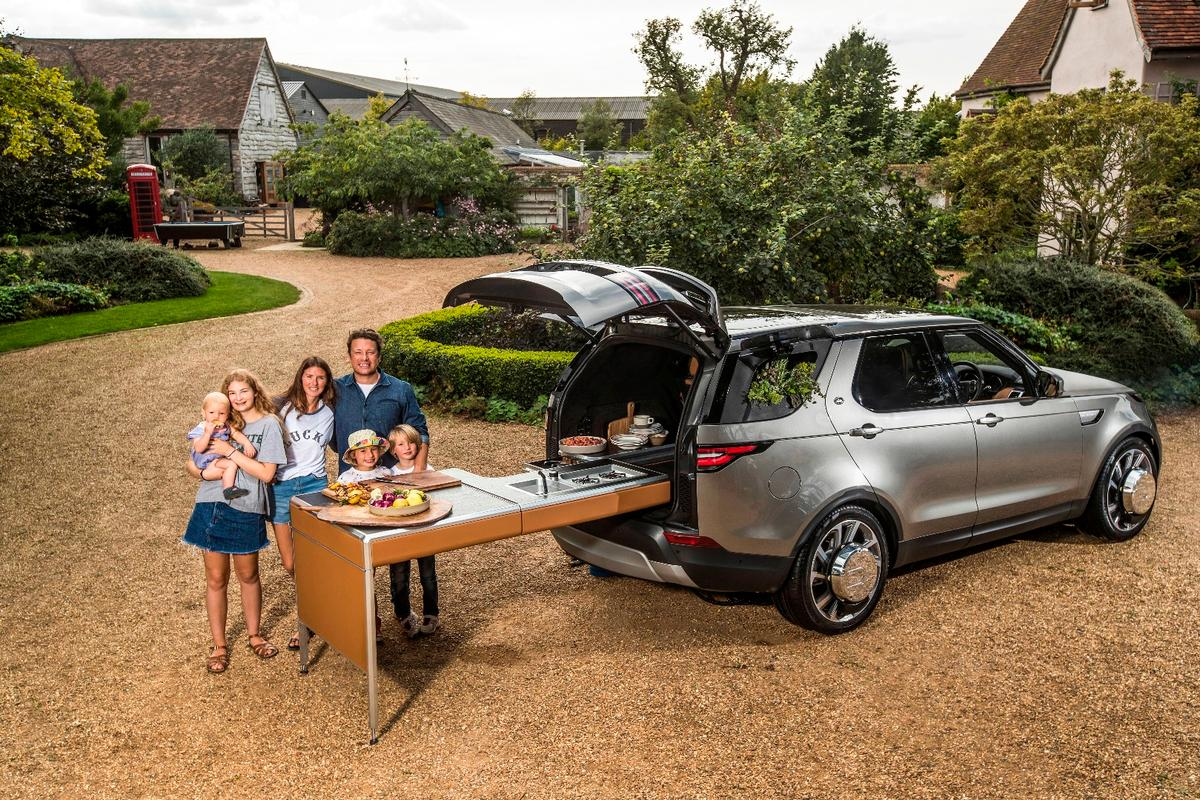 Jamie Oliver and his family enjoy a one-of-a-kind creation