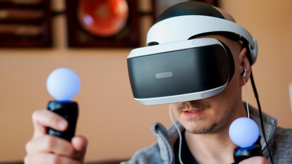 New Atlas reviews Sony PlayStation VR, a promising and affordable VR setup brought down by godawful motion-control-tracking