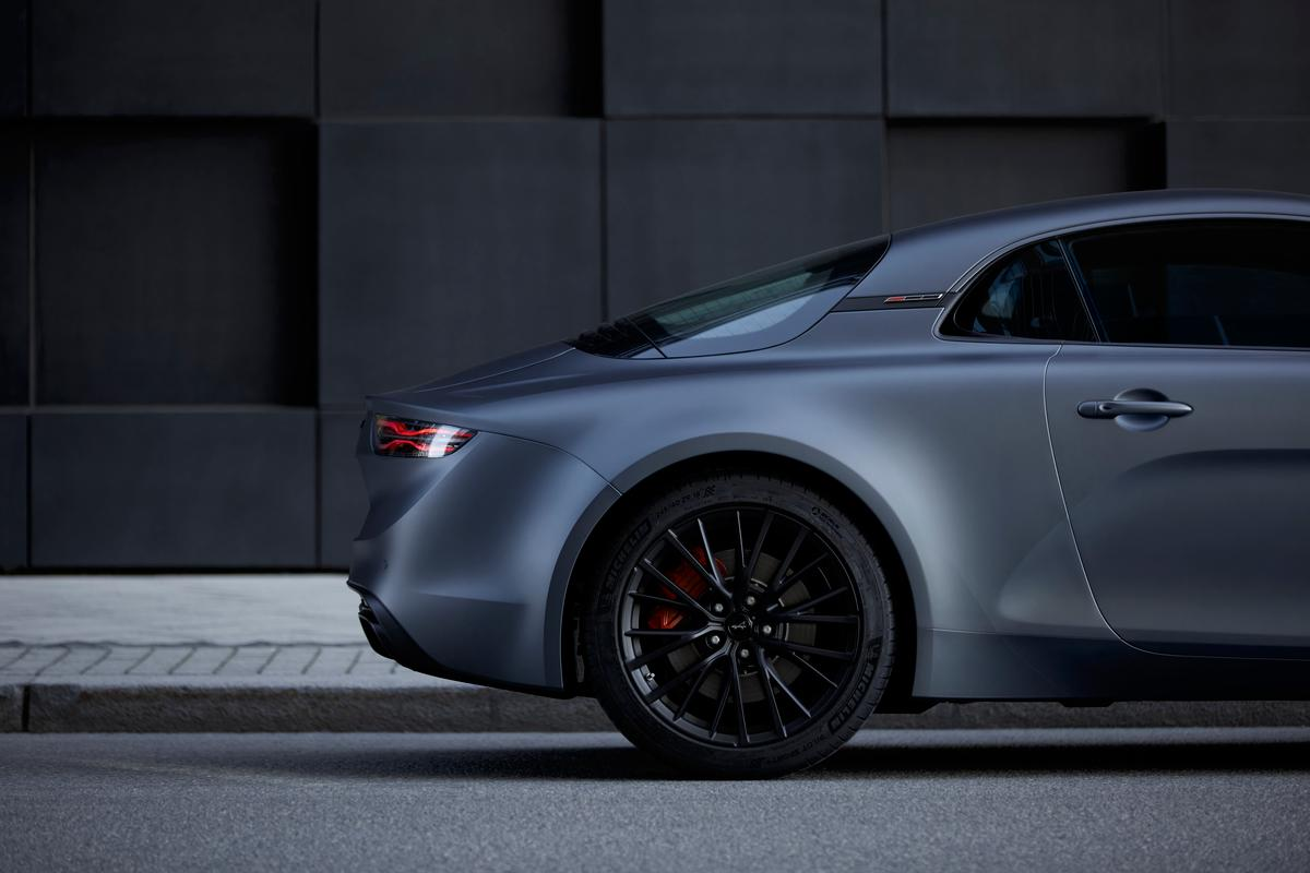 Alpine's new range-topping A110S with 18-inch rims