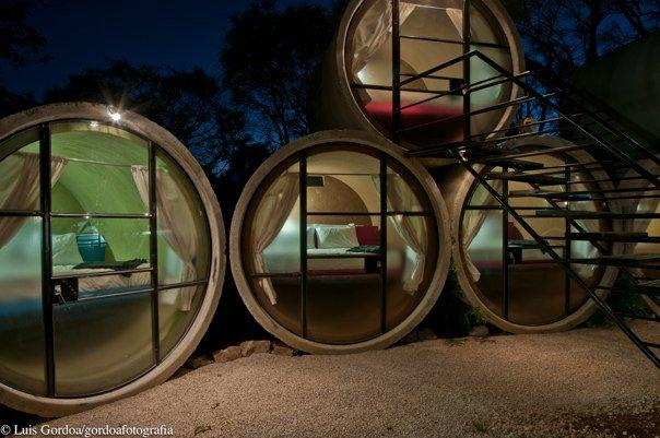 Tubohotel in Mexico houses rooms created from recycled concrete tubes (Image: Luis Gordoa/T3arc)