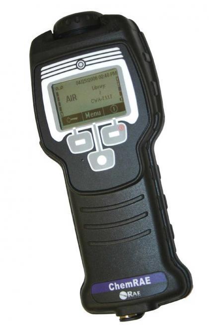 Personal chemical warfare agent (CWA) detector