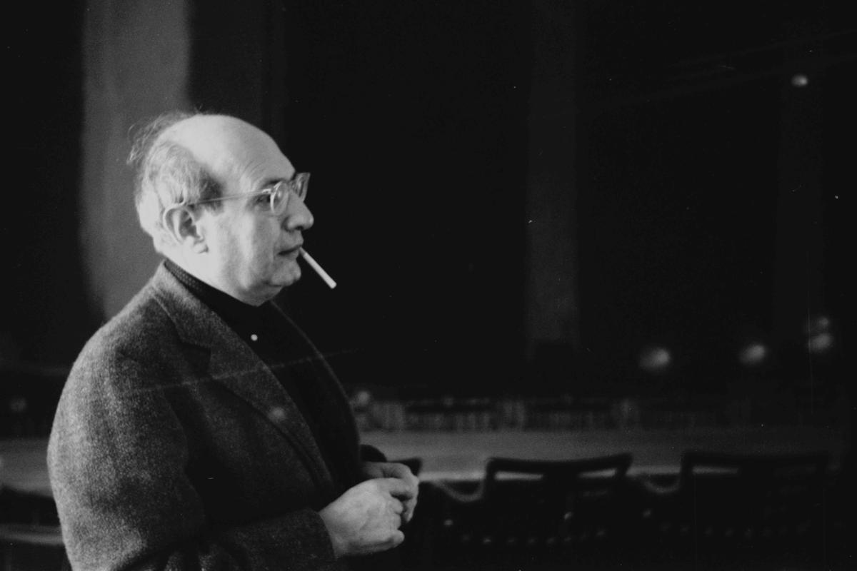 Mark Rothko in front of Panel Two and Panel Three of the Harvard Murals that are to be visually restored using a camera-projector system (Photo: Elisabeth L. Jones)