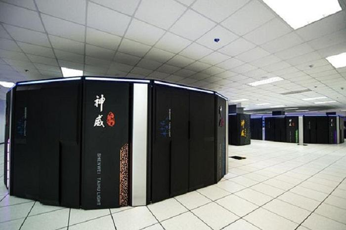 The Sunway TaihuLight in China has claimed the top spot in the Top500 list of the world's most powerful supercomputers for the second time in a row