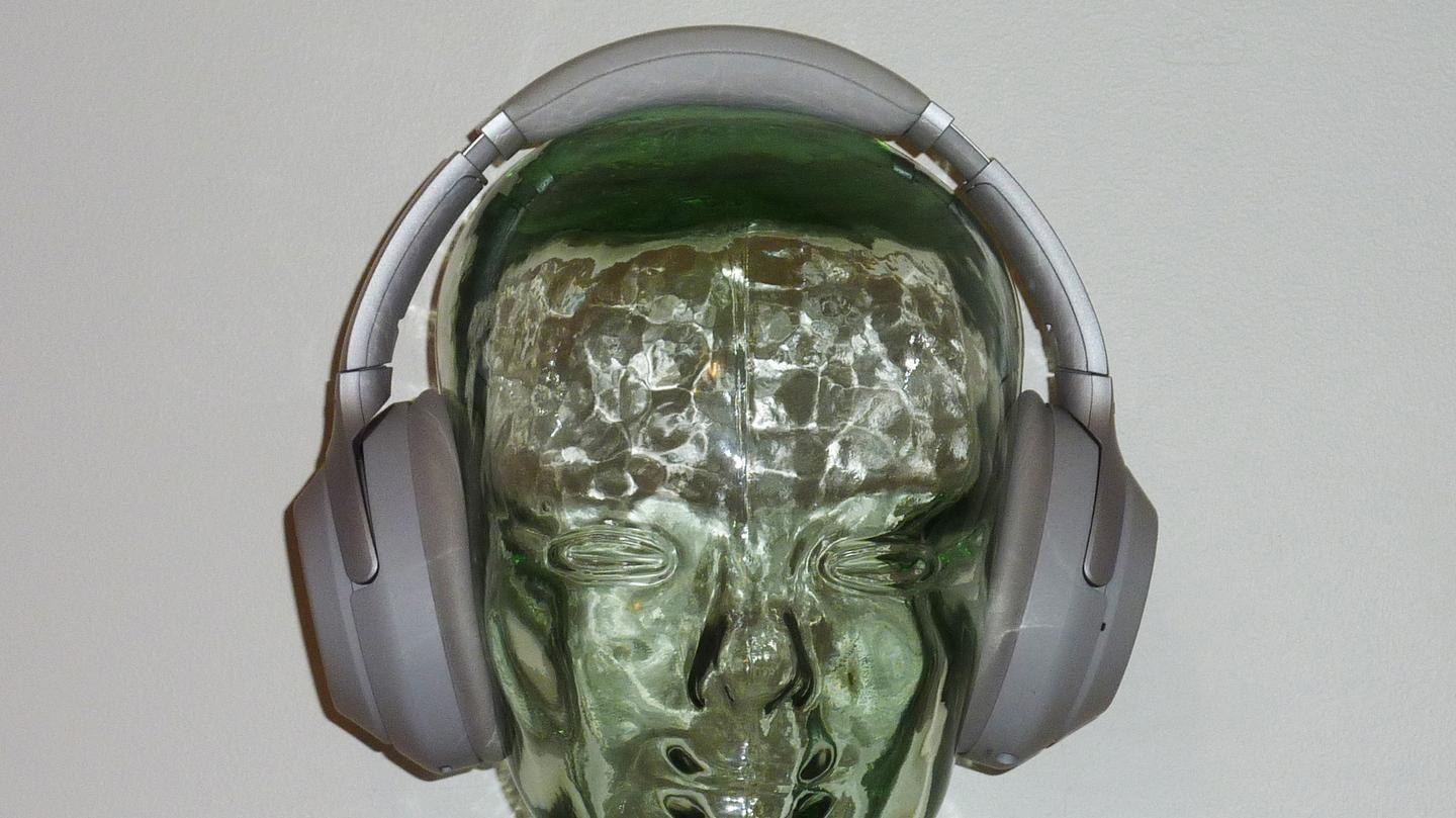 The Sony WH-1000MX3 headphones front view