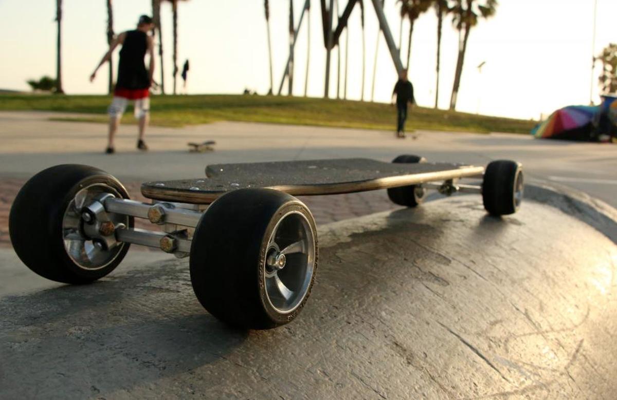 The Lean skateboard