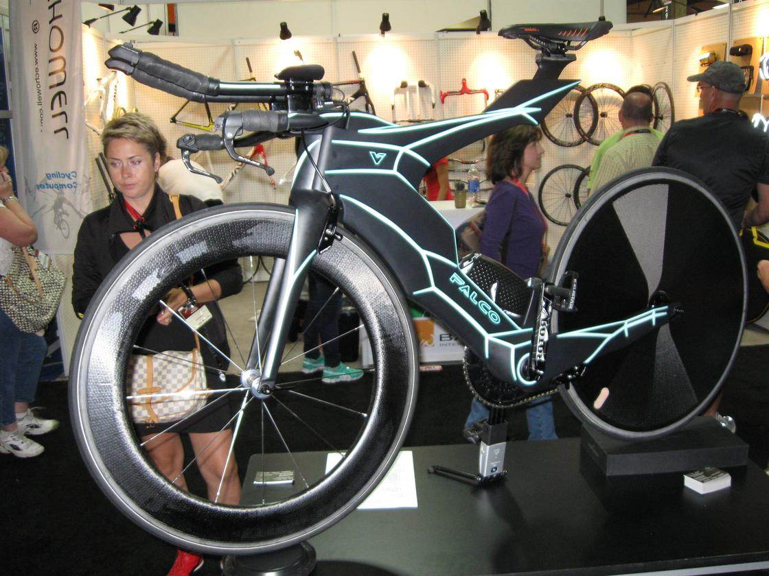 "This Tron-like Falco V time trial bike features an integrated hydration system, along with an airfoil system ""similar to those found on F22s and F15s"""