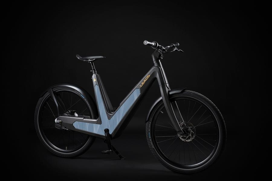 The Leaos Solar e-bike sports side-mounted ultrathin photovoltaic panels