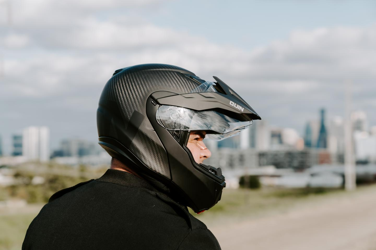 The Quin Quest – a modular, carbon helmet with fully integrated Bluetooth comms, crash detection and SOS alerts
