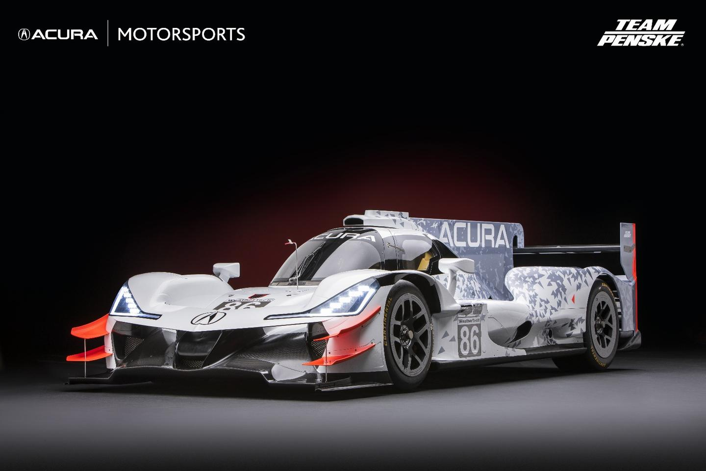 The beak of theAcura ARX-05 is one of the biggest differences between it and the ORECAcar it's based on