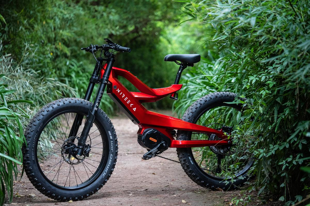 The Nireeka Prime: a (relatively) affordable high-powered ebike with a very stylish carbon fiber frame