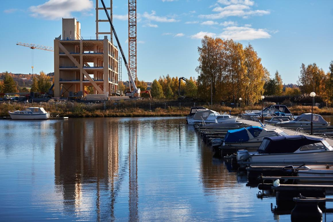 Once completed, Mjøstårnet will comprise over 11,300 sq m (121,632 sq ft) of floorspace, spread over 18 floors