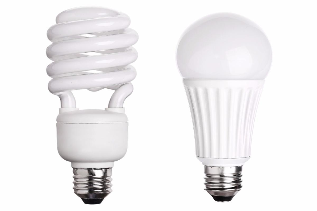 GE will cease production of CFLs (left) in favor of LEDs (right)