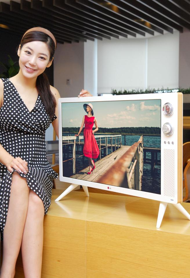 The Classic TV sells for 840,000 KRW (about US$750)