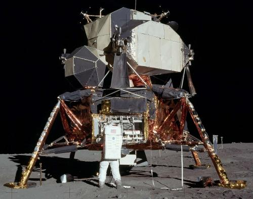 Space Toys full scale lunar model replicas will set the buyer back a cool US$89,000.