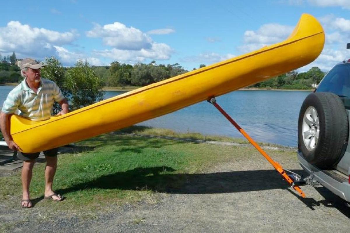 The StrongArm Kayak Loader levers a user's canoe or kayak onto the roof of their vehicle (Photo: BoatHoist International)