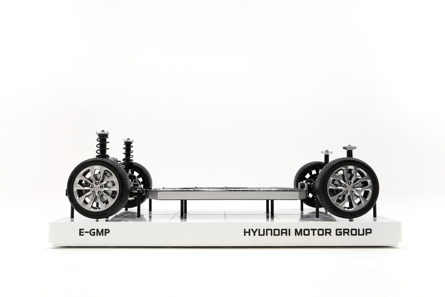 According to Hyundai, electric vehicles built off the E-GMP platform will offer ranges beyond 500 km (310 mph) from a full battery