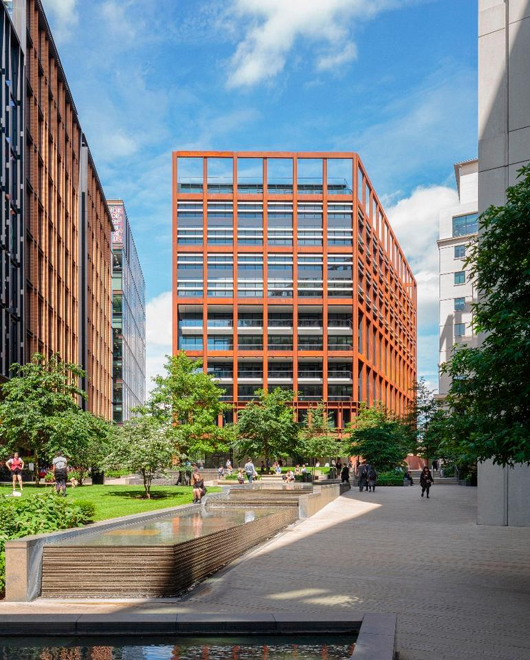 London's4 Pancras Square,byEric Parry Architects,is a contemporary flagship office building