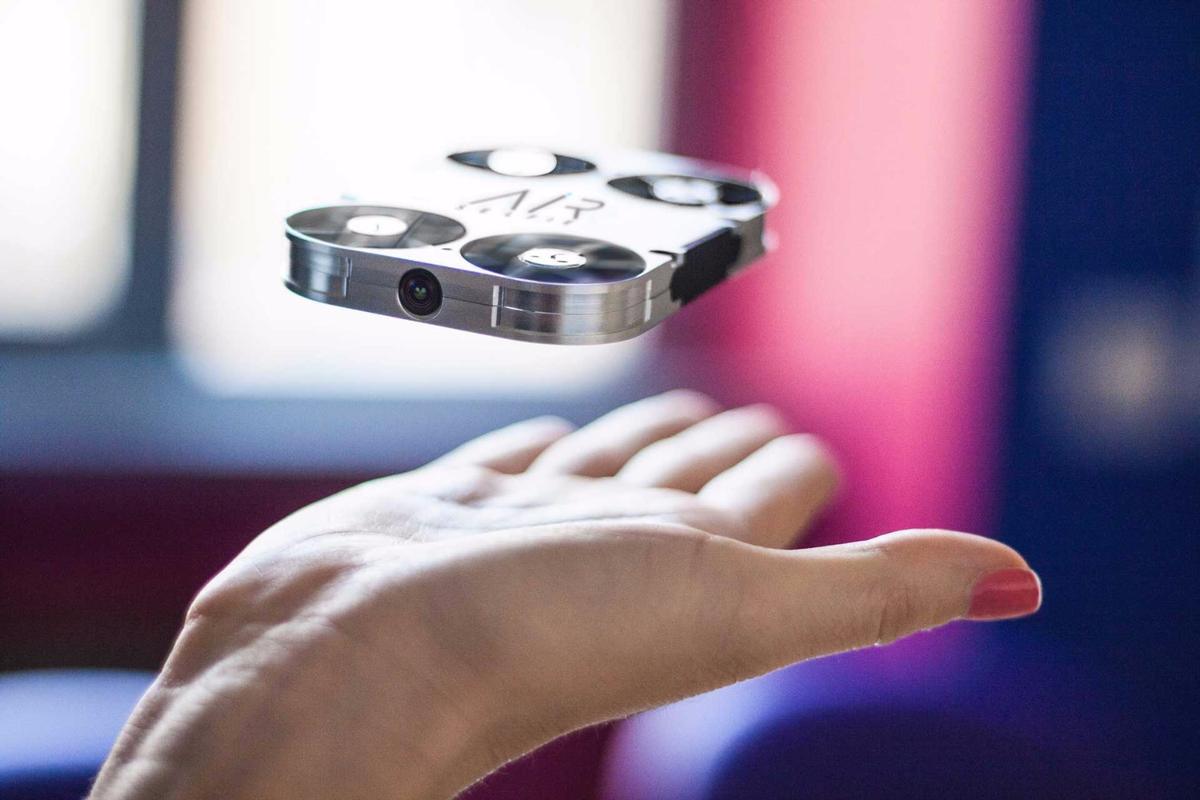 A Kickstarter campaign is currently underway for the AirSelfie drone