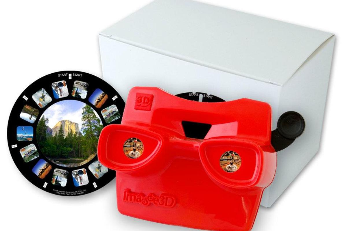Image3D allows customers to create custom View-Master-like photo reels, using their own photographs