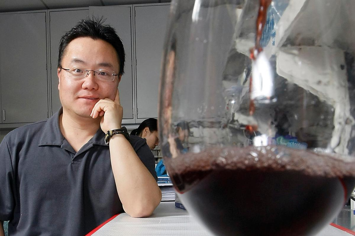Assistant professor Kee-Hong Kim from Purdue University is testing a compound that is commonly found in red wine for its ability to block the processes of fat cell development
