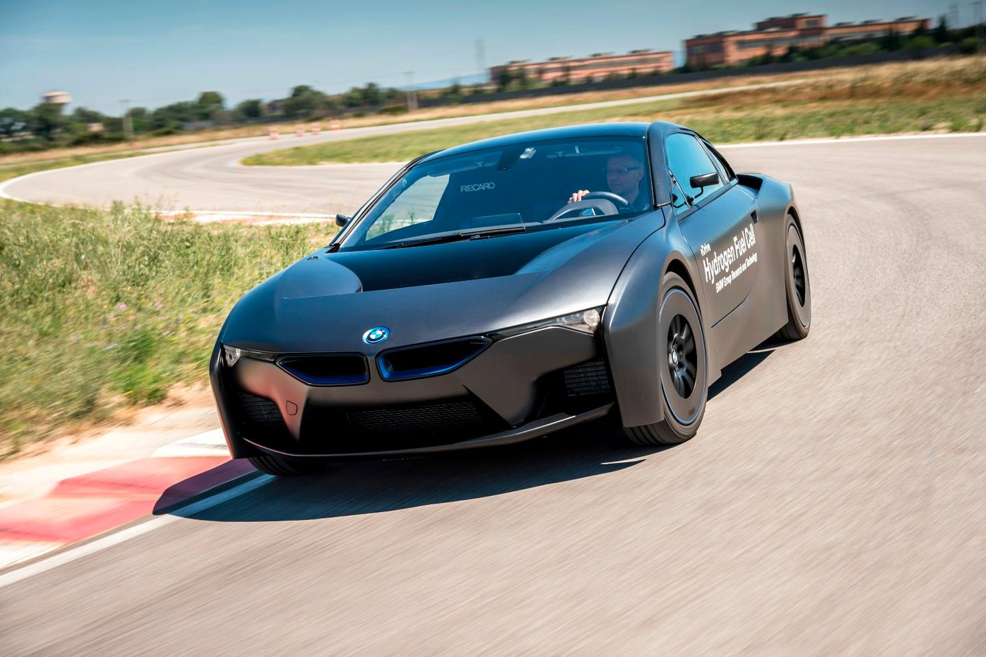 BMW showed off a slinky hydrogen concept based on the i8