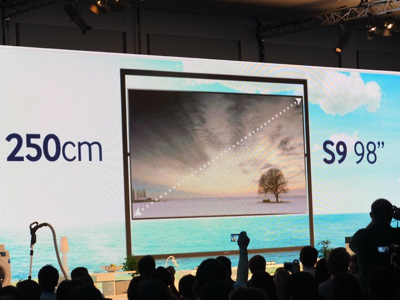 Samsung unveils the 98-inch UHD S9 television at IFA 2013