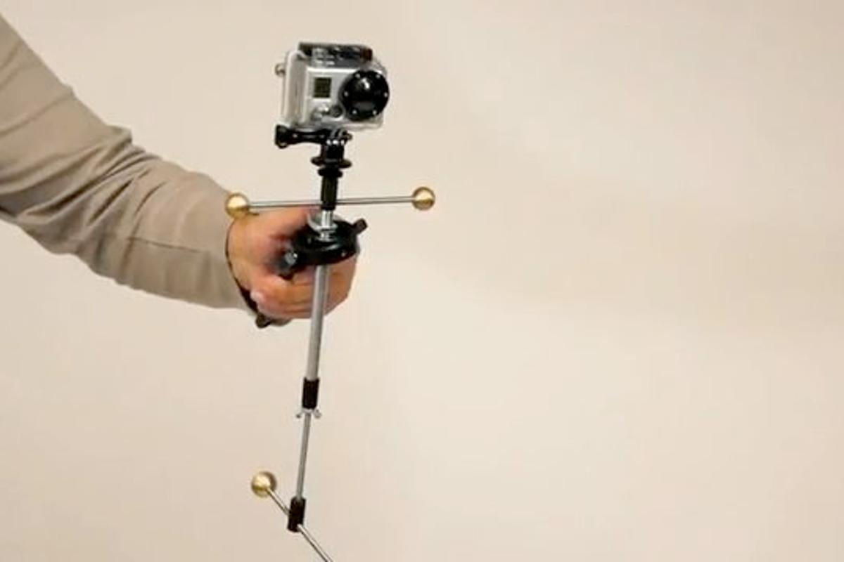 The MojoFloCam is designed to stabilize handheld video shot with smartphones or compact video cameras