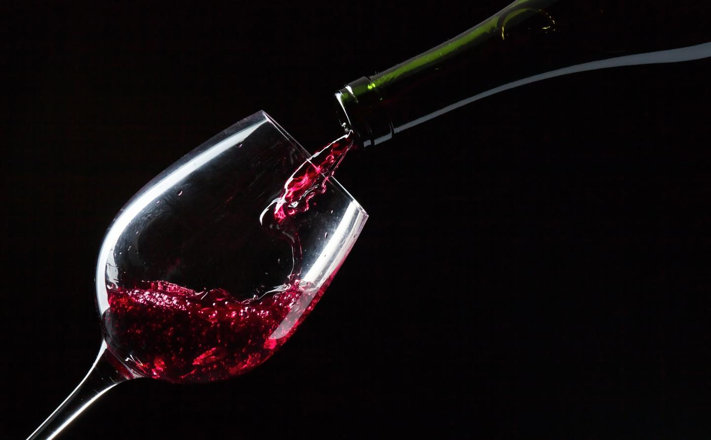 A new study has found that compounds in red wine might help fight the bacteria that cause tooth decay and gum disease