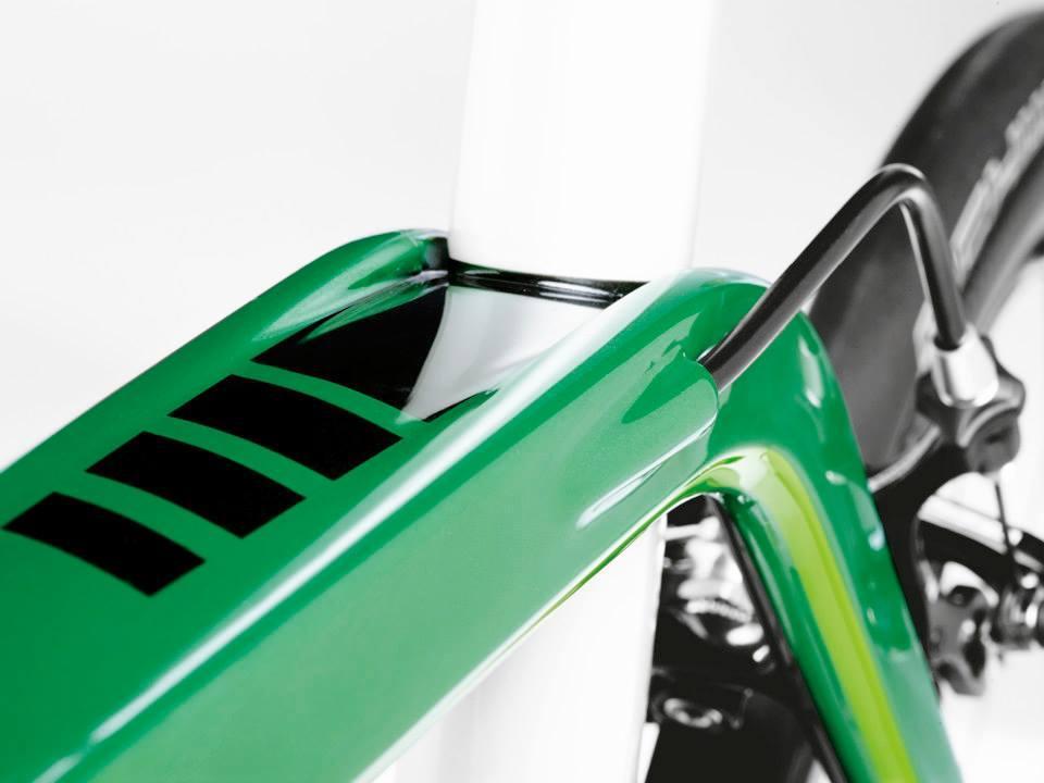 The Caterham Duo Cali bikes feature a unique frame design – along with carbon fiber designed for F1 race cars