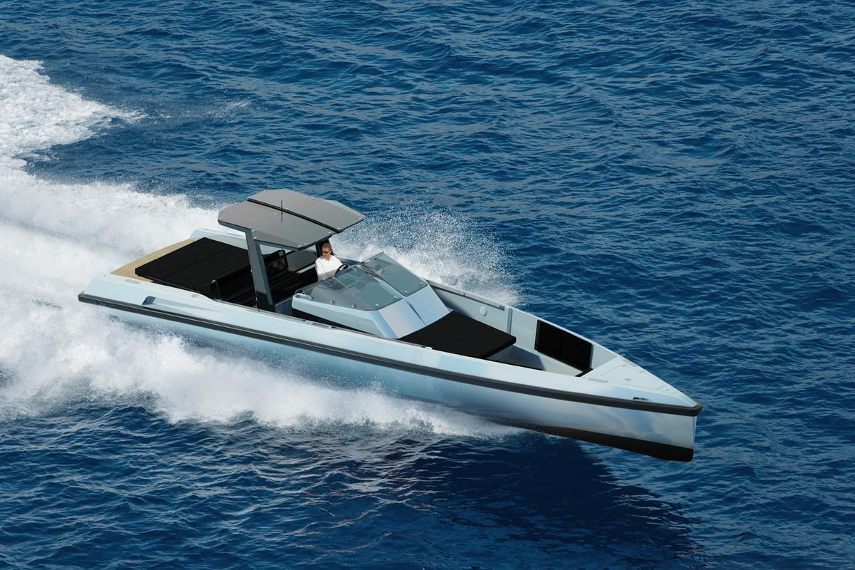 The Wally One has a beam of 3.525 meters, and a top speed of between 40 and 50 knots.