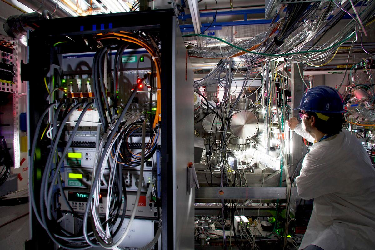 The LCLS Atomic, Molecular and Optical instrument hutch where the experiments were performed, with the CAMP chamber at center-right (Photo by Brad Plummer.)