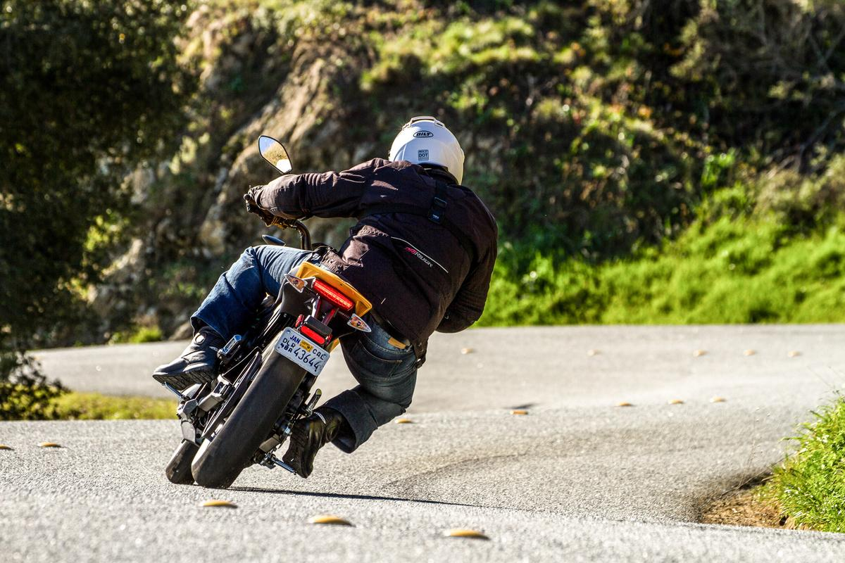 Loz rides the 2015 Zero S (Photo: Photo: Joe Salas/4theriders.com)