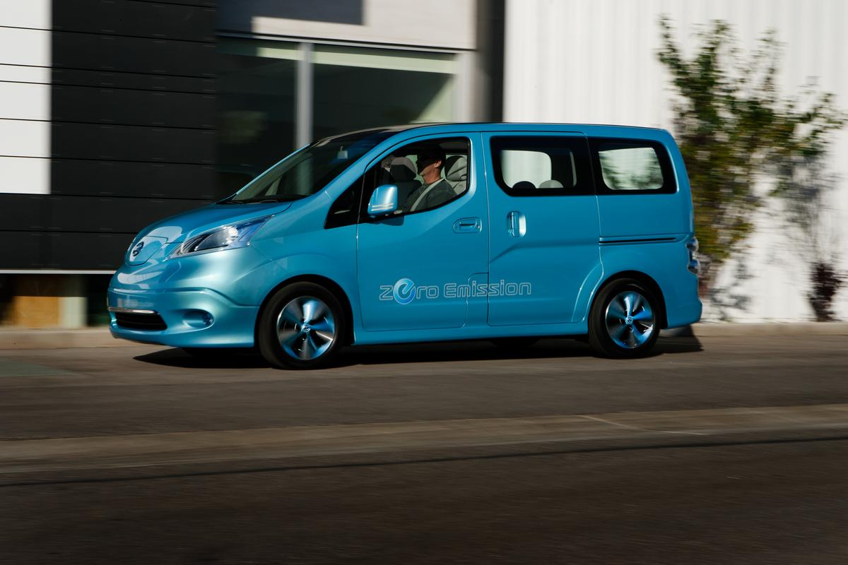 Nissan is debuting its e-NV200 electric minivan concept at the North American International Auto Show