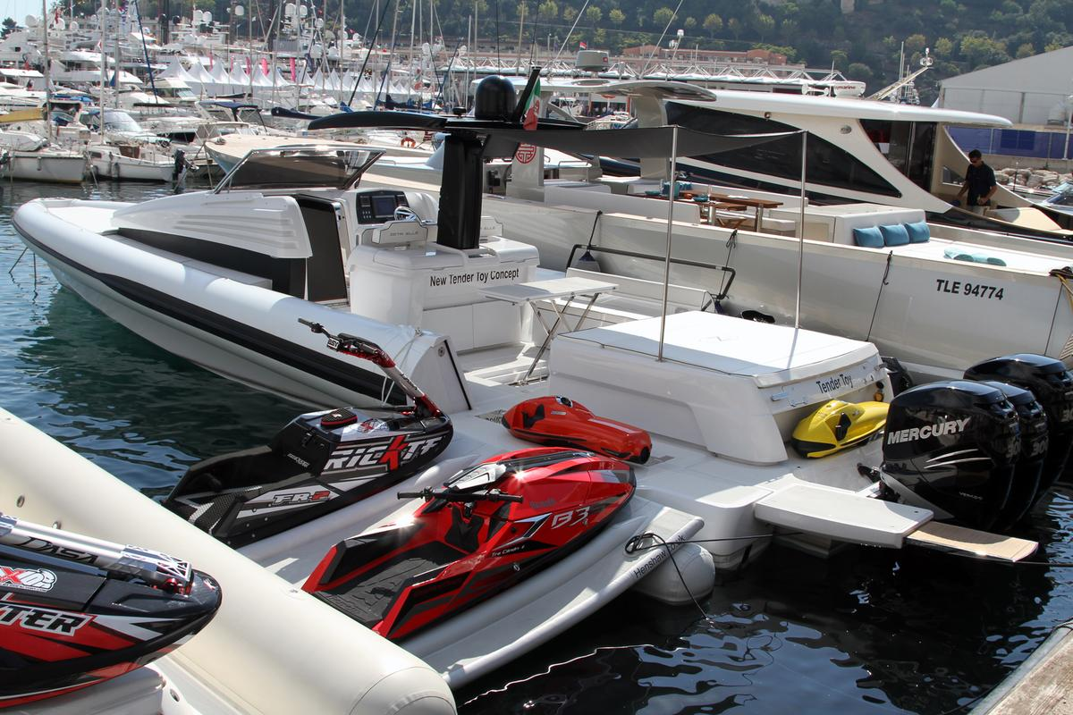 The Tender Toy concept on display at the 2013 Monaco Yacht Show (Photo: Gizmag)