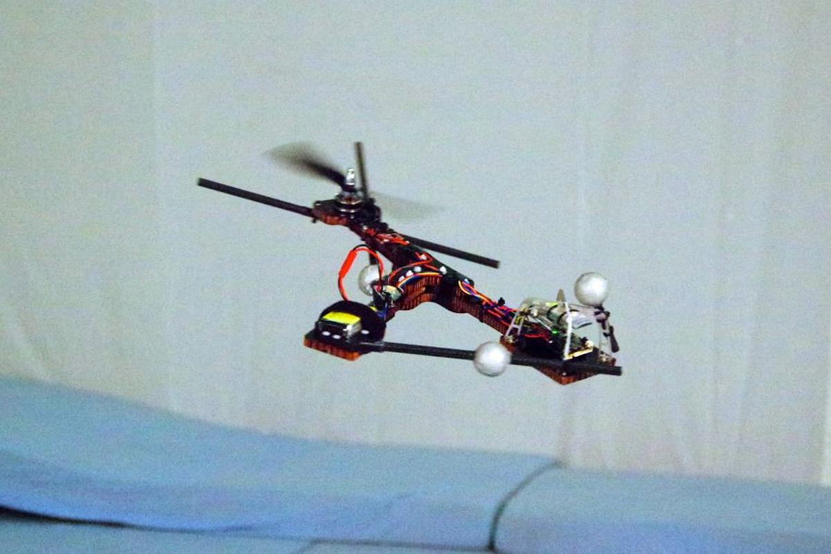 Having previously demonstrated that quadcopters can remain in flight even when losing one, two or three of their propellors, the Monospinner seemed a logical next step for the research team