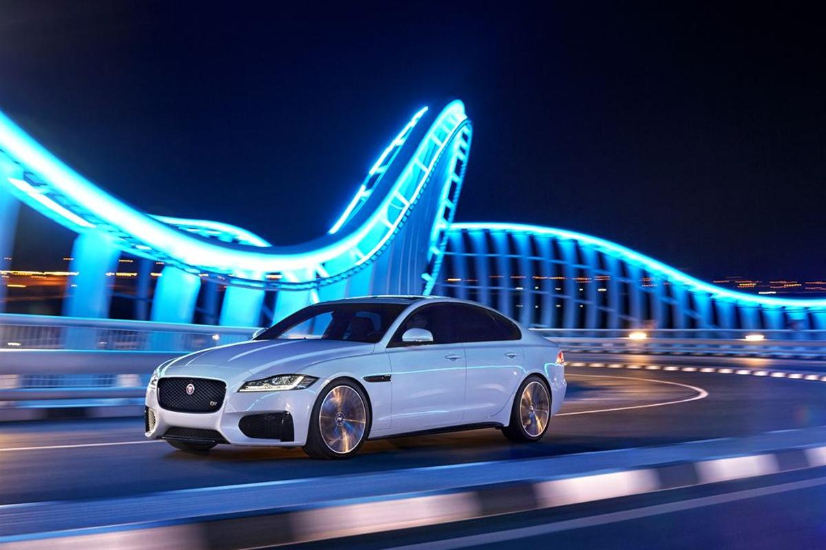 The 2016 Jaguar XF has an improved infotainment system