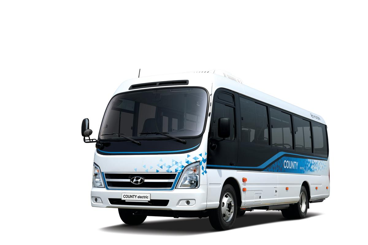The County Electric can be configured to seat up to 33 passengers and can roll for up to 250 km between charges