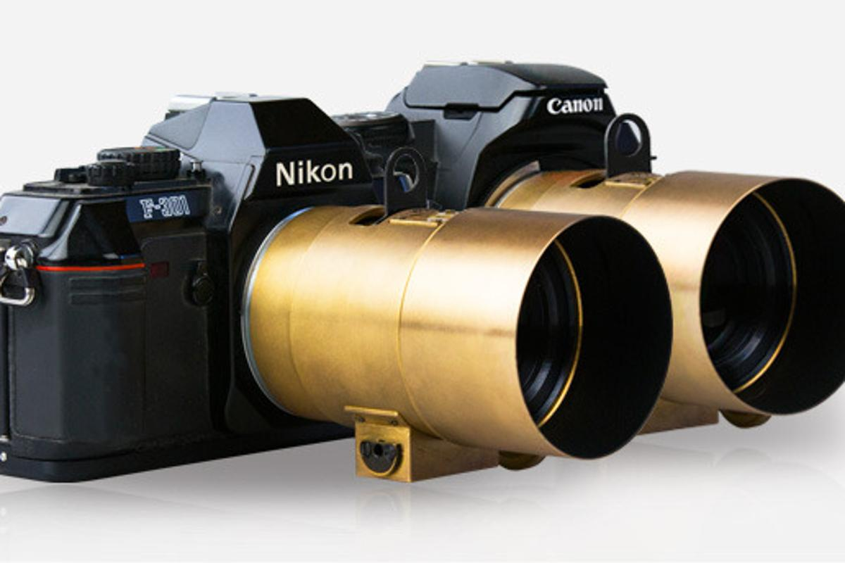 The Lomography Petzval works with Canon EF and Nikon F mount cameras