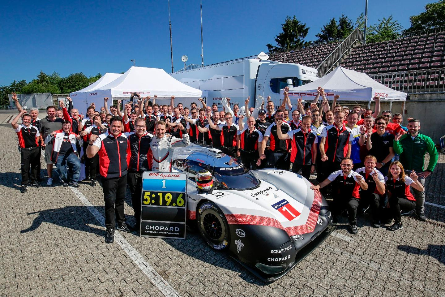Timo Bernhard and the Porsche 919 Hybrid Evo destroy the all-time 'Ring record