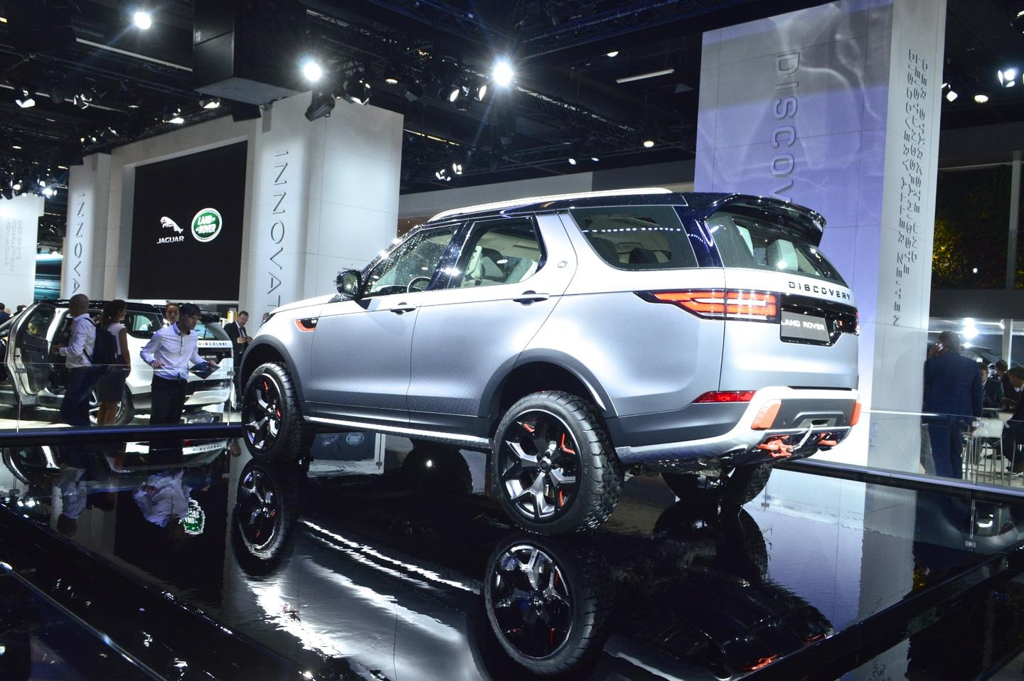 Land Rover makes the Discovery a little more off-road-ready with the SVXpackage