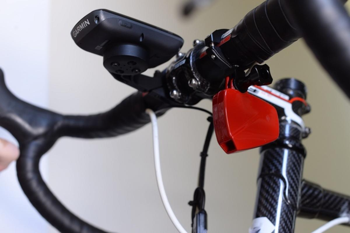 The PowerPod weighs just 32 grams, and is mounted under the handlebars