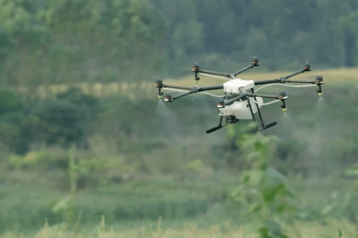 DJI's MG-1 system uses a wave radar to zoom over crops at a consistent altitude